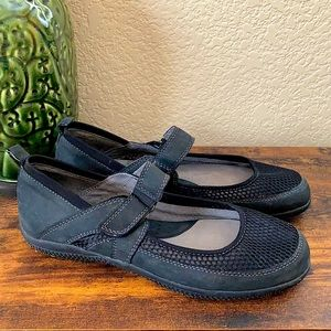 SoftWalk leather Mary Janes